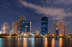 Le viste ed il lago della città parcheggiano a Bangkok Tailandia Fotografia Stock Libera da Diritti