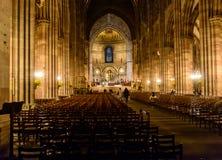 Le viste interne della cattedrale della nostra signora nella vecchia parte Strasburgo della città è una città nella regione l'Als Immagini Stock Libere da Diritti