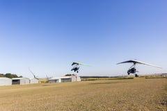 Le vol d'ultra-léger motorisé surface le décollage Photographie stock libre de droits