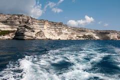 Le voyage de bateau autour de l'île de la Corse Image libre de droits