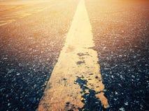 Le voyage a des obstacles La route doit encore continuer image libre de droits