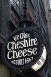 Le YE Cheshire Cheese Public House d'antan à Londres photo stock