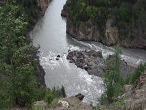 Le Yukon puissant pendant le printemps banque de vidéos