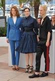 Lea Seydoux et Amira Casar et Aymeline Valade Images libres de droits