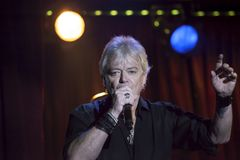 Lead singer Russell Hitchcock of Air Supply performs at B.B. Kin. NEW YORK, NEW YORK, USA - OCTOBER 13: Russell Hitchcock of Air Supply performs at B.B. Kings Stock Photo