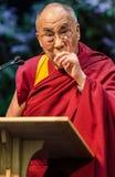 Leahy accompagna il Dalai Lama sulla fase Immagini Stock