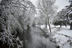 Leamington-Badekurort, Großbritannien - Wintermärchenansicht in die Mitte der Stadt Stockfoto