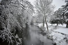 Leamington Spa, het UK - de Winter fairytale mening in het centrum van de stad Stock Foto