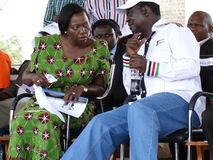 Learder di opposizione (O d M) Raila Odinga ed opposizione Lear (narcosi da azoto Kenya) Matha Karua immagine stock libera da diritti