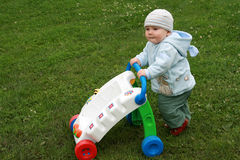 Learning to walk - first steps Royalty Free Stock Photos