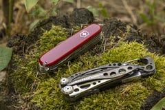 Leatherman och Victorinox Arkivfoton
