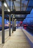 leaving station train Στοκ εικόνα με δικαίωμα ελεύθερης χρήσης
