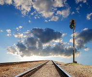 Leavings far ways of railway. On sunset Royalty Free Stock Photos