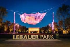 Lebauerpark bij nacht, in Greensboro van de binnenstad, Noord-Carolina royalty-vrije stock foto's