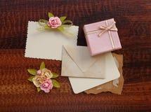 Lebel del saludo de la caja de regalo w Imagenes de archivo