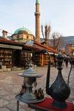 Leben auf der Straße des alten Bezirkes von Sarajevo, Bosnien Lizenzfreies Stockbild