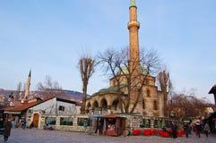 Leben auf der Straße des alten Bezirkes von Sarajevo, Bosnien Lizenzfreie Stockbilder