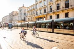 Leben in der Bordeauxstadt Stockfoto