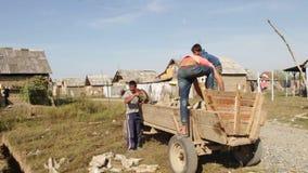 Leben in Rom-Regelung Ukraine-Transcarpathia stock video footage