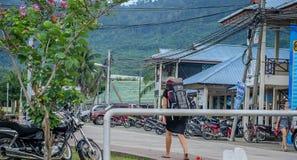 Leben, wie es ist - Touristen in der Straße Lizenzfreie Stockfotos