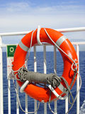 Lebenboje auf einem Kreuzschiff Stockfotografie