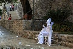 ` Lebendes Skulptur ` an der Zitadelle von Budva, Montenegro Lizenzfreie Stockbilder