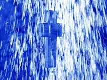 Lebendes Wasser - Kreuz unter Dusche Lizenzfreies Stockfoto