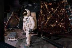 Lebensgroße Replik von Eagle, der Lander, der Astronauten Armstrong und Aldrin zum Mond im Jahre 1969 nahm stockbild
