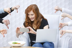 Lebensmittel Blogger, der Foto macht Stockfoto