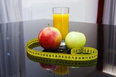 Lebensmittel der gesunden Diät - Früchte und Saft Lizenzfreie Stockfotos