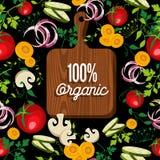 Lebensmittel des rohen Gemüses mit 100% organischem hölzernem Brett Stockfotografie