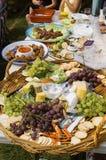 Lebensmittel an einem Picknick Lizenzfreie Stockbilder