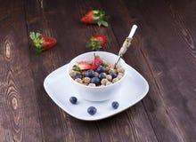 Lebensmittel gemacht vom Granola und vom musli Lizenzfreie Stockfotografie