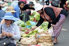 Lebensmittel-Markt-Asien-Frau von Kambodscha Lizenzfreies Stockbild