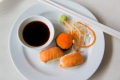 Lebensmittel, Sushi von japaness Lizenzfreie Stockfotos