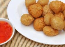 Lebensmittel von den Philippinen, Tusok-Tusok (Fisch-Bälle) Lizenzfreies Stockfoto