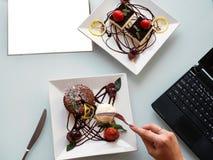 Lebensmittelfotolieferungsgeschäfts-Blogkonzept Stockbilder