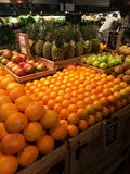 Lebensmittelgeschäfterzeugnis und -frucht Stockbilder