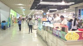 Lebensmittelmitte am Mega- bangna, Thailand stock video footage