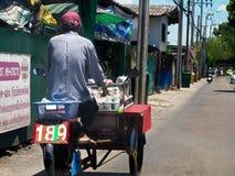 Lebensmittelverkäufer auf Dreirad Lizenzfreie Stockfotos