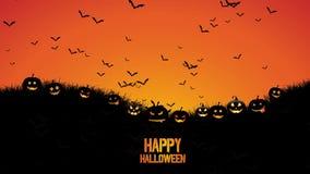 Lebhafter Hintergrund von Halloween schlägt Fliegen im Himmel mit Kürbisen im Gras stock video