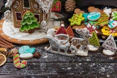 Lebkuchen für neue Jahre und Weihnachten Lizenzfreie Stockbilder