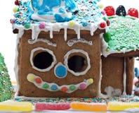 Lebkuchen-Haus getrennt auf Weiß Stockfoto
