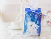 Lebkuchen trägt neues Jahr Lizenzfreie Stockbilder