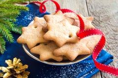 Lebkuchen-Weihnachtsplätzchen Stockfoto