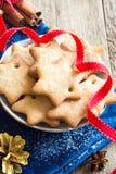 Lebkuchen-Weihnachtsplätzchen Stockbilder