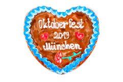 Lebkuchenherz 2019 Oktoberfest mit weißem lokalisiertem Hintergrund stockfotografie