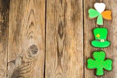 Lebkuchenplätzchen mit Bild für St- Patrick` s Tag Stockfotos
