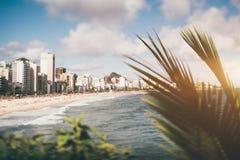 Leblon海滩的掀动转移风景在里约热内卢 免版税库存图片