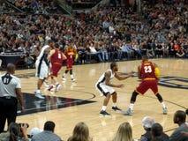Lebron James no jogo de NBA imagem de stock royalty free